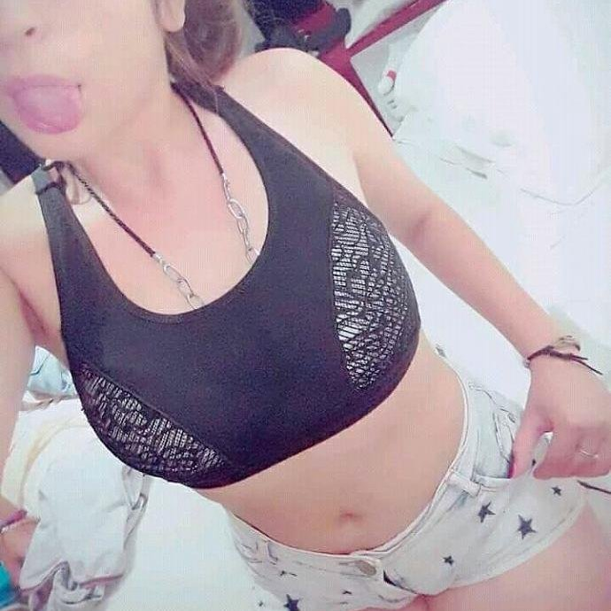 Mujer busca hombre-240917